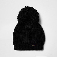 Black bobble pom pom knit beanie hat