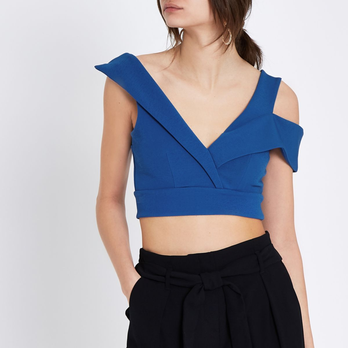Blauwe cropped bustier met tailored detail