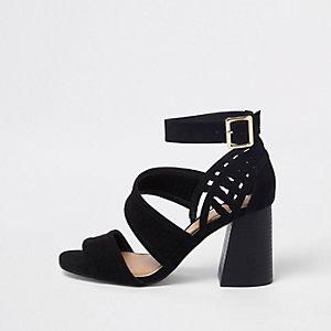 Sandales noires à brides et talon carré pointure large