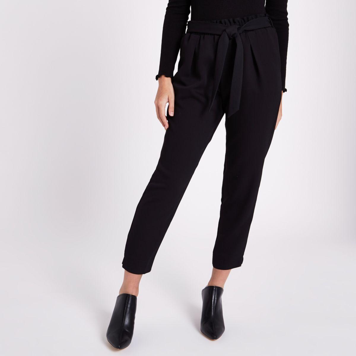 RI Petite - Zwarte smaltoelopende broek met strikceintuur