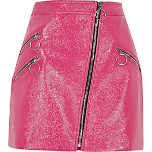 Pink vinyl hoop zip mini skirt