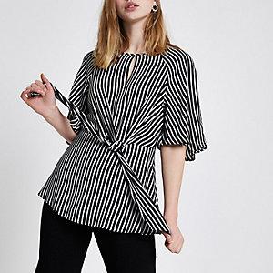 Zwarte gestreepte blouse met korte mouwen en strik voor