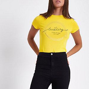 """Gelbes T-Shirt """"belle luxury"""" mit Folienprint"""
