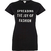 Zwart T-shirt met 'spreading the joy'-print