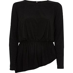 Zwarte top met brede schouders en peplum
