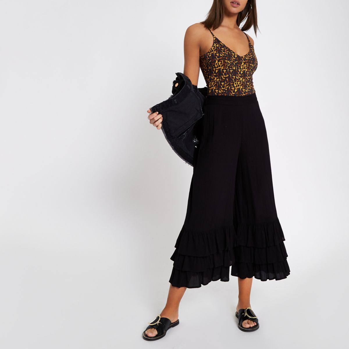 Black tiered frill culottes
