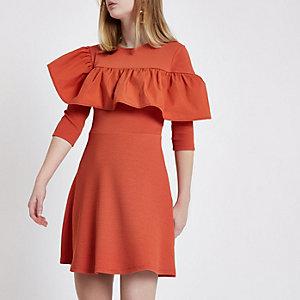 Oranges Skater-Kleid mit Rüschen