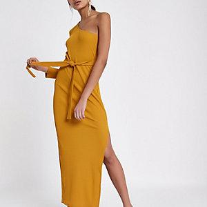 Robe longue jaune moutarde asymétrique côtelée