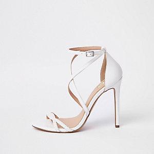 Witte minimalistische sandalen