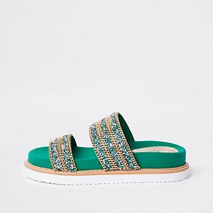 Groene sandalen met dubbele bandjes en kettingdetail