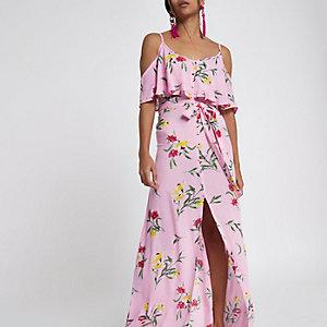 RI Petite - Roze maxi-jurk met bloemen en knoopsluiting voor