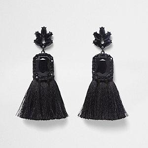 Zwarte oorbellen met versierd rechthoekig kwastje