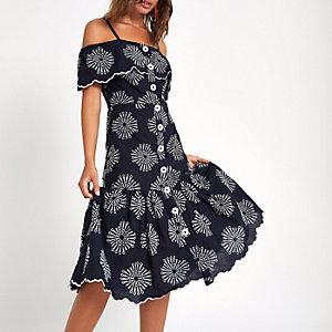 Marineblauwe geborduurde cami-jurk met knopen