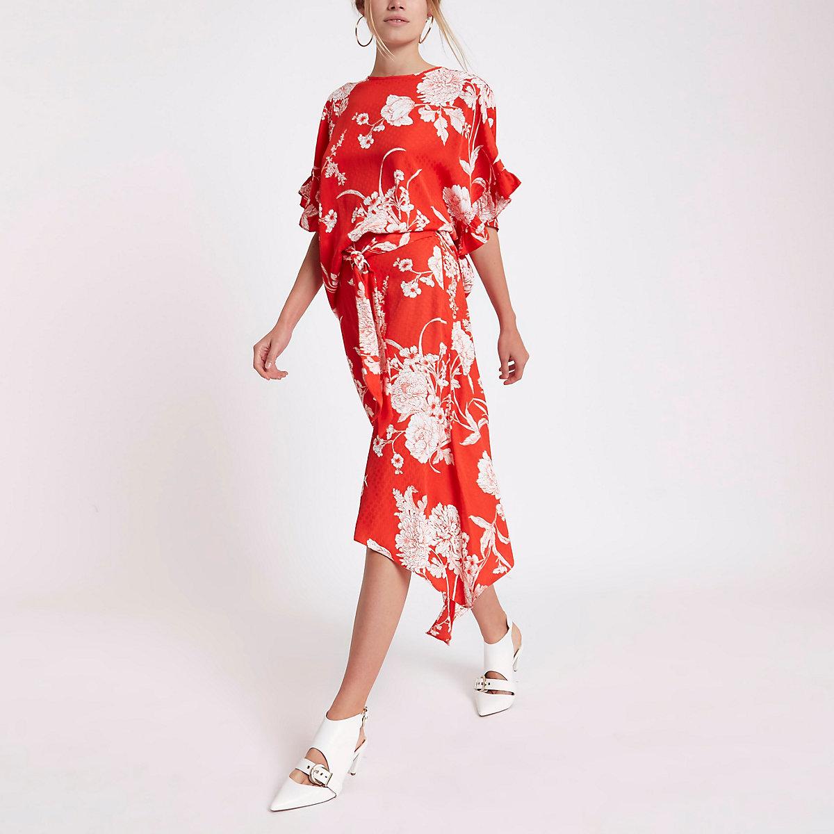 Red floral print asymmetric split hem skirt