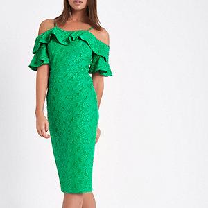 Felgroene midi-jurk met bardothalslijn, kant en ruches