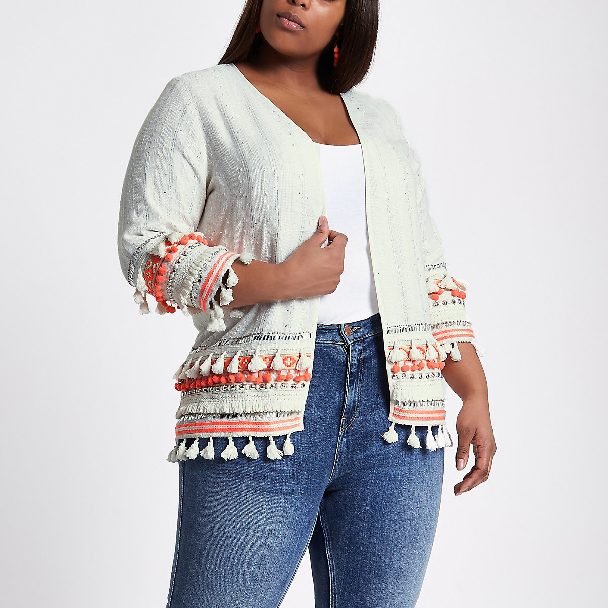 Plus cream embroidered tassel kimono
