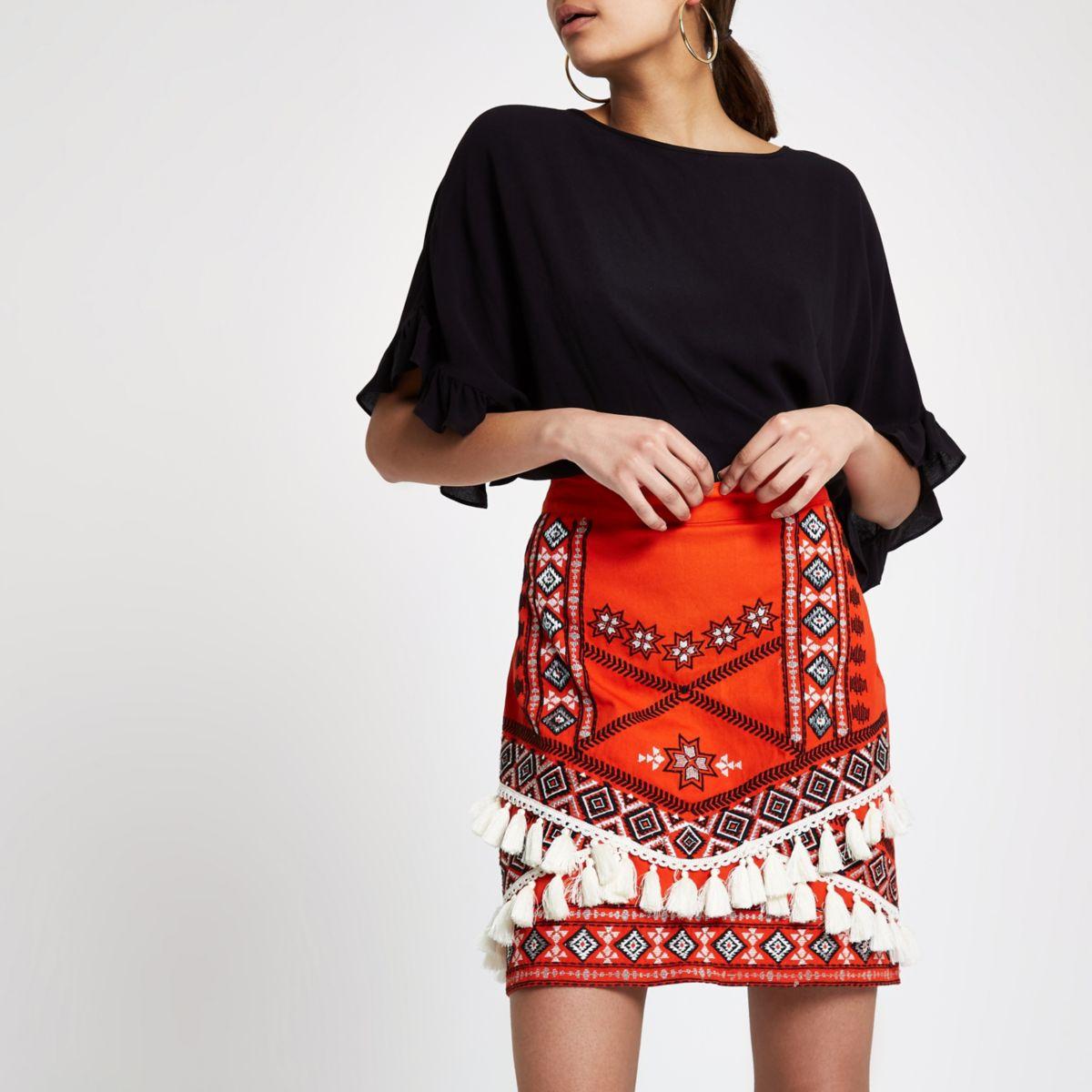 Red tassel embroidered mini skirt