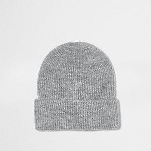 Bonnet gris côtelé
