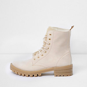 Cream faux fur tongue lace-up boots
