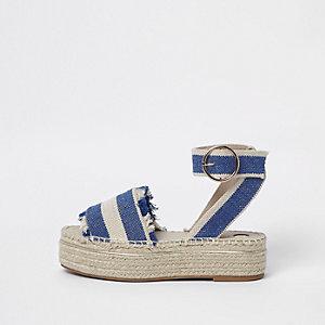 Sandales à plateforme rayées bleues style espadrilles