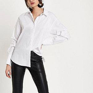 Chemise blanche à manches longues froncées