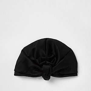 Turban en satin noir