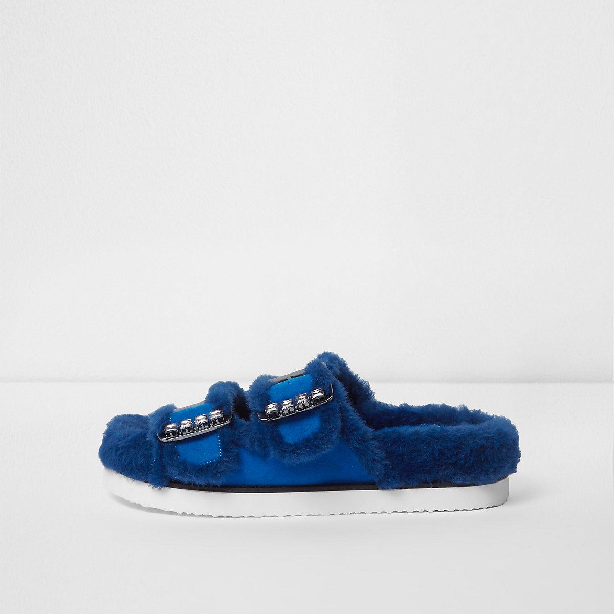 Blauwe sandalen van imitatiebont met siersteentjes en gesp