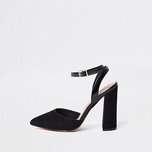 Sandales noires à talons carrés coupe large