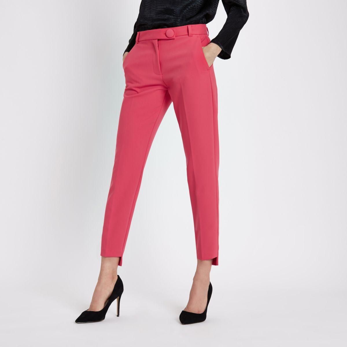Roze smaltoelopende broek met ongelijke zoom