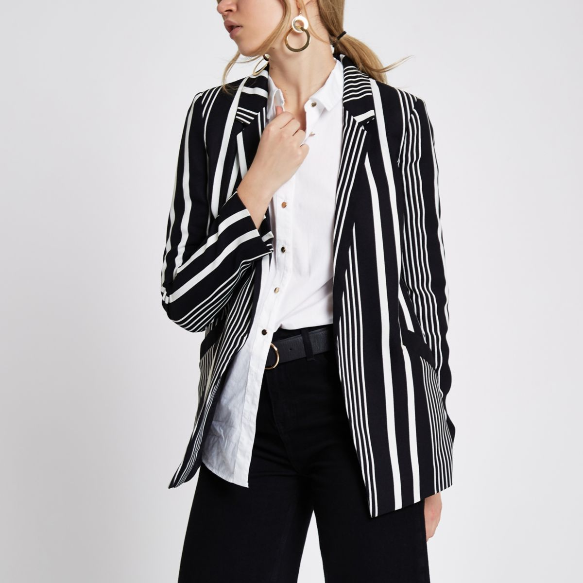 Monochrome striped blazer