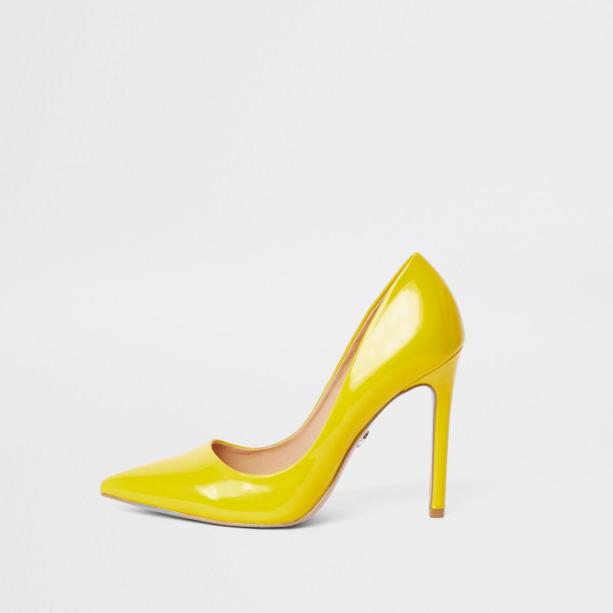 Yellow patent court shoes