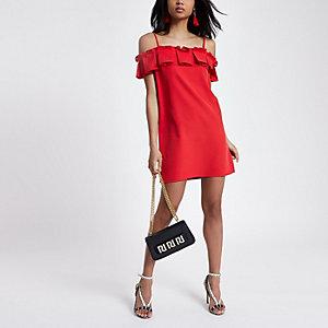 Rotes Bardot-Trägerkleid mit Rüschen