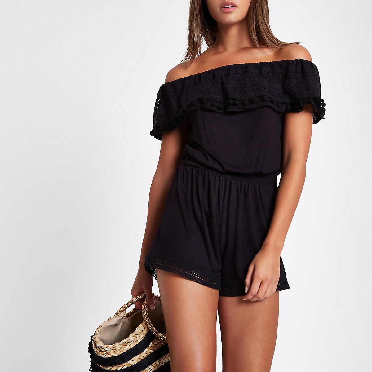 Zwarte bardotplaysuit met kant