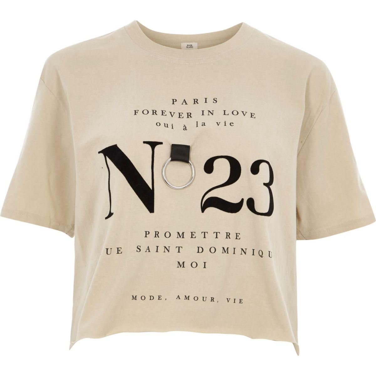 Beige cropped T-shirt met 'no 23' ring
