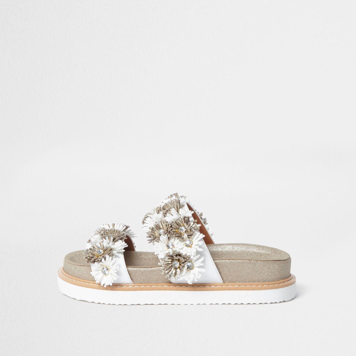 Goudkleurige gebloemde sandalen met twee banden