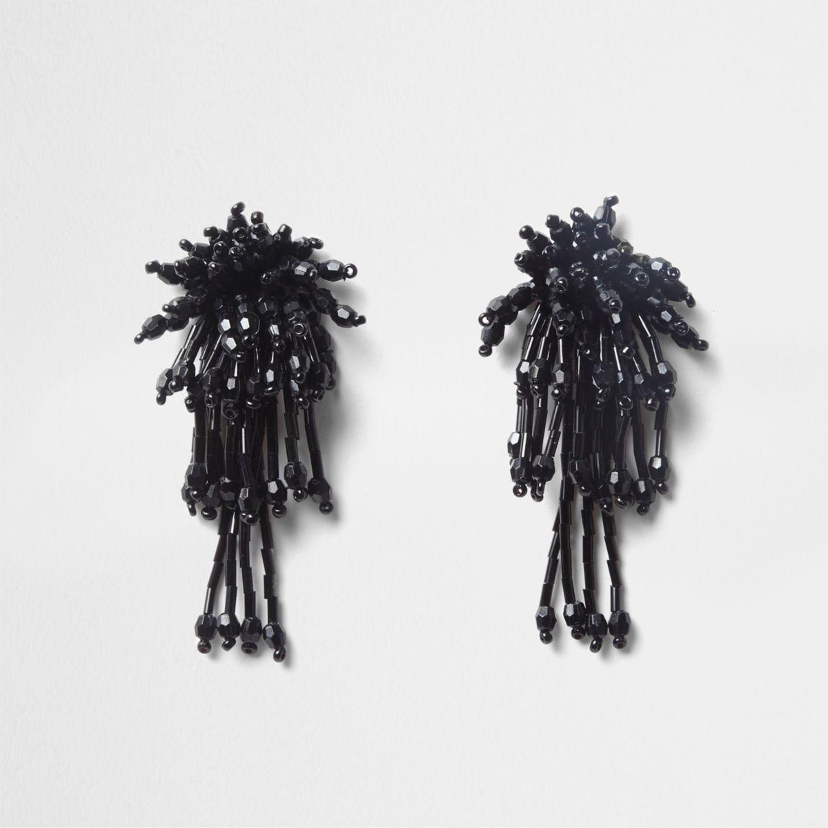Zwarte oorhangers met kralen