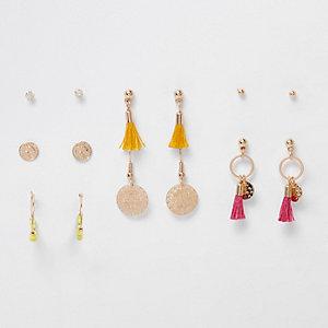 Lot de boucles d'oreilles dorées avec pampilles et pièces
