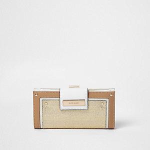 Metallic beige portemonnee met druksluiting en geweven paneel