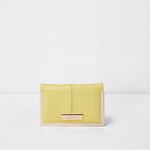 Étui à passeport jaune clair et doré