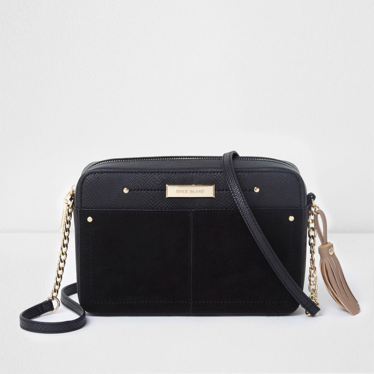 Zwarte rechthoekige crossbodytas met voorvak en ketting