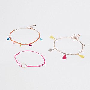 Lot de bracelets de cheville dorés à pampille rose
