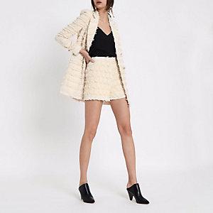 Shorts in Creme mit hohem Bund