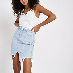 Light blue frayed hem denim skirt