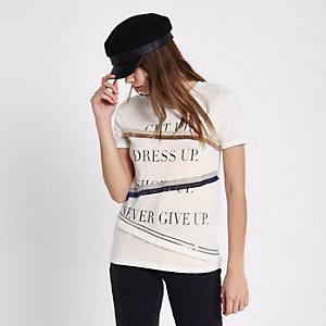 Wit T-shirt met 'get up'-print en franje