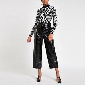 Pantalon large à ceinture en vinyle noir