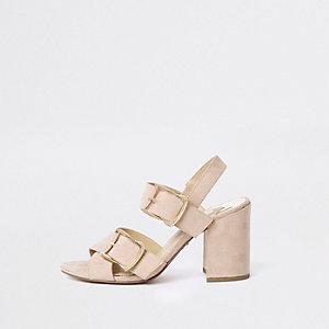 Sandales roses à talon carré