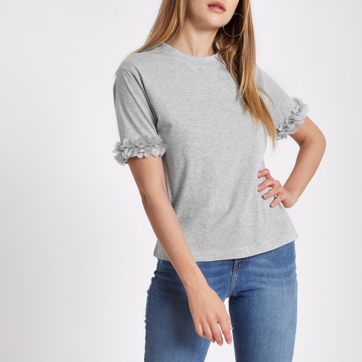 Grijs gemêleerd recht T-shirt met bloemen op de mouwen