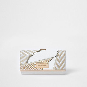 White woven cutabout clip top purse