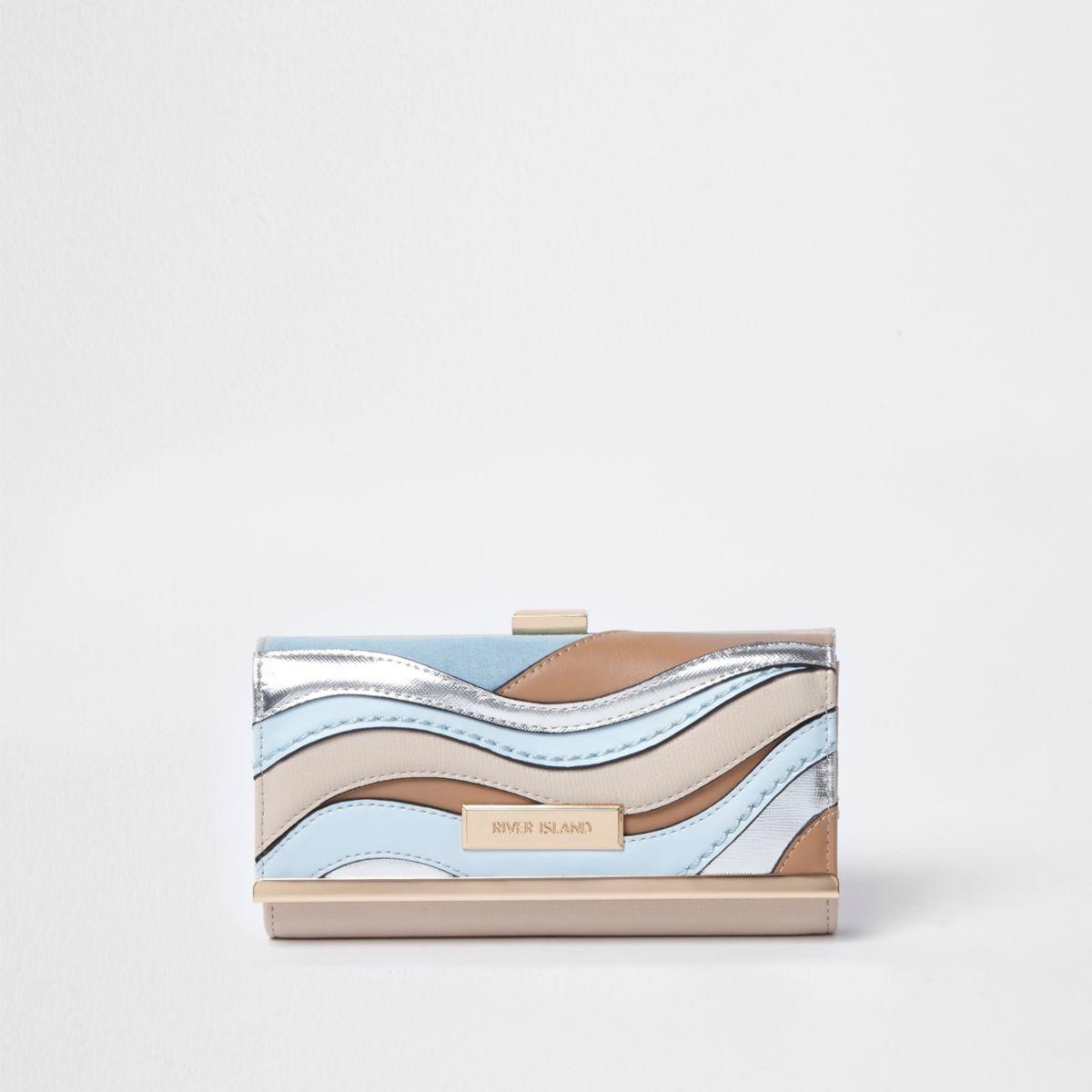 Blauwe metallic portemonnee met druksluiting en uitsnedes