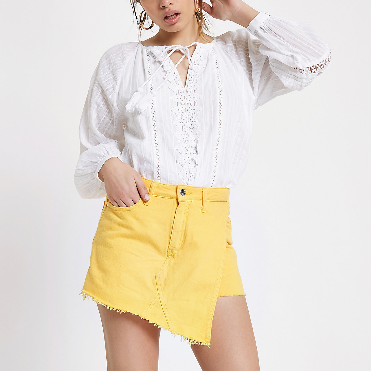 Yellow denim frayed hem skort